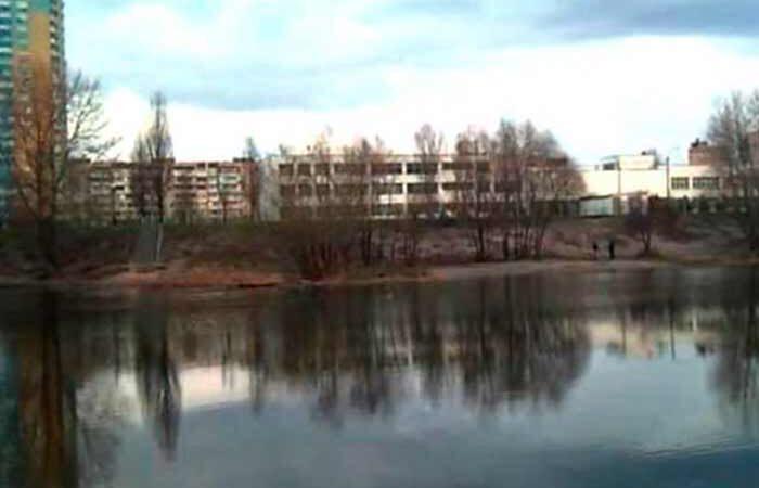 В Киеве из Днепра рыбаки выловили человеческую голову завернуту в пакет