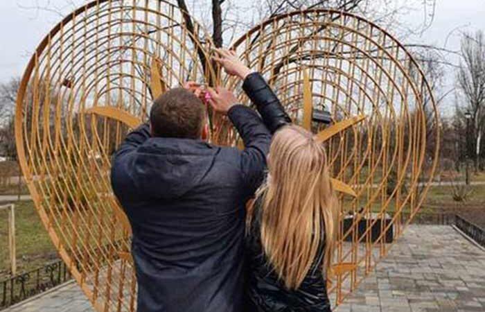 Уголок для влюбленных устроили в Киеве