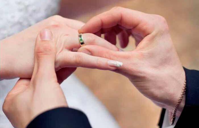 В Киеве посчитали пары, которые женились на День влюбленных