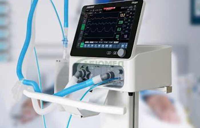 Сто аппаратов искусственного дыхания закупили для больниц бизнесмены в Киеве