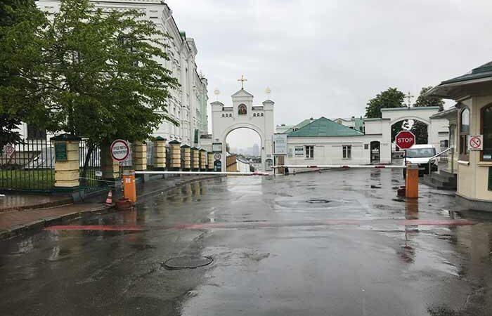 Киево-Печерская лавра снова открыта для прихожан после карантина