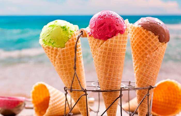 Кому не стоит есть мороженое