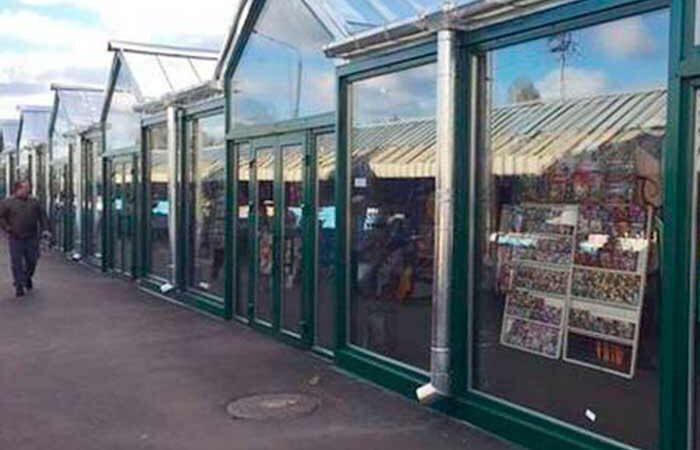 Знаменитый книжный рынок на Петровке закрывают и переселяют