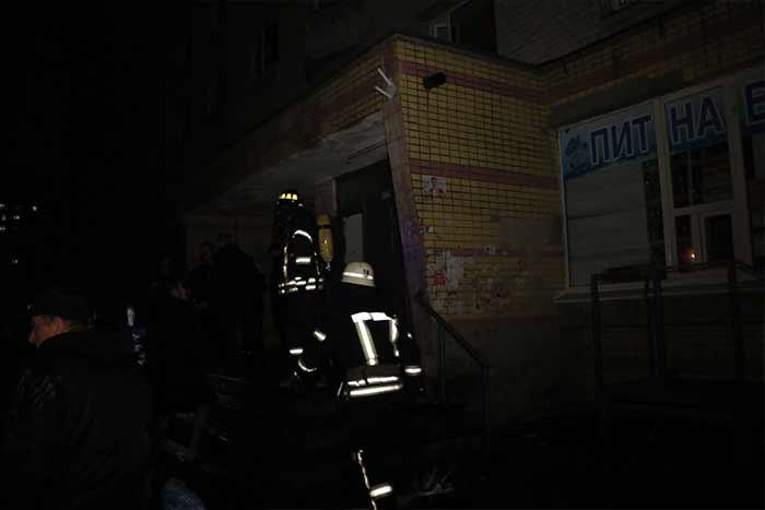 В Киеве эвакуировали более 300 студентов с общежития НАУ