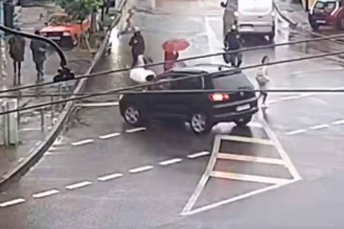 ДТП в центре Киева: авто-леди на Volkswagen сбила пешехода на переходе