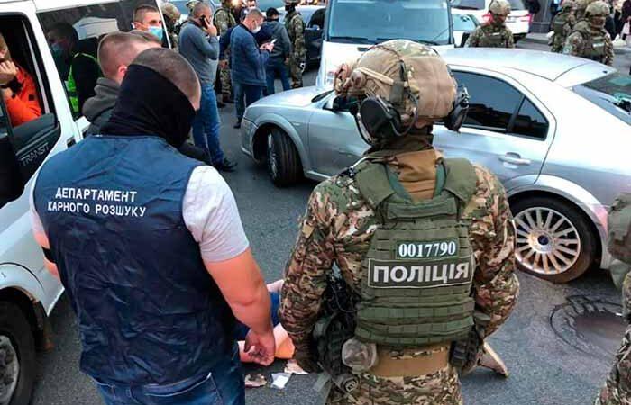 В центре Киева со стрельбой задержали опасных бандитов