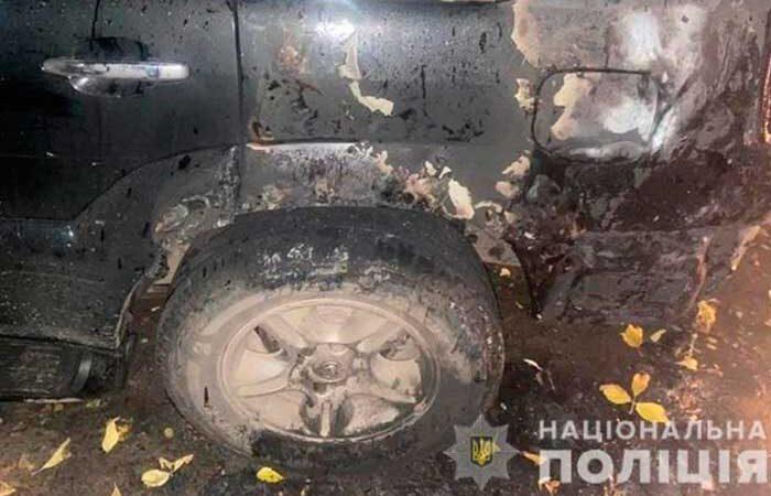 В Киеве парень поджег три машины в час