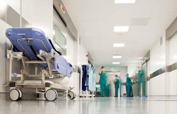 Шмыгаль оговорился, что места COVID-пациентам скоро будут искать в районных больницах