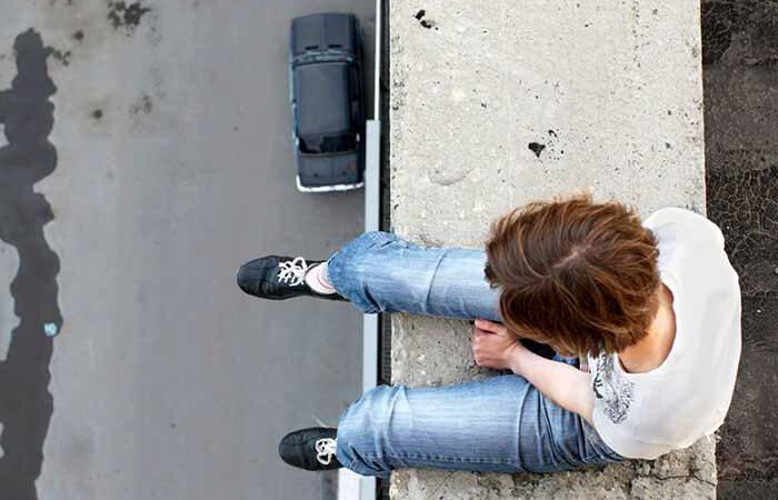 Психолог рассказала о причинах подростковых суицидов в Киеве