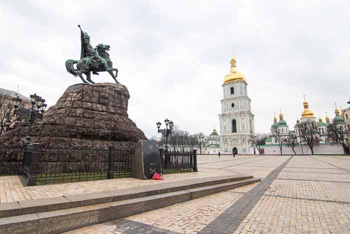 Верховная Рада может ввести в Киеве комендантский час