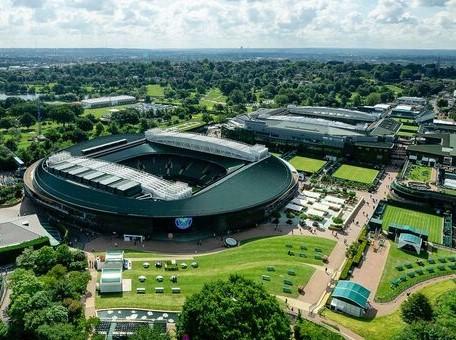 На Wimbledon разрешили 100-процентное заполнение зрительских мест, начиная со стадии четвертьфинала