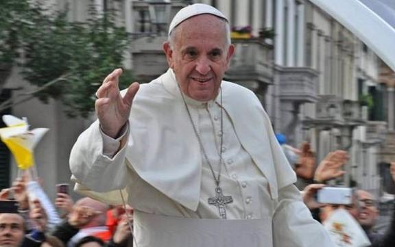 Папа Франциск перенес операцию: Ватикан сообщил о его самочувствии
