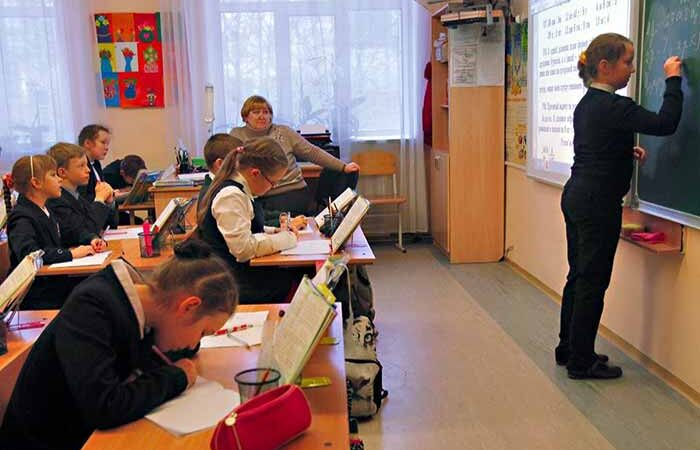 Как будут работать киевские школы в новом учебном году
