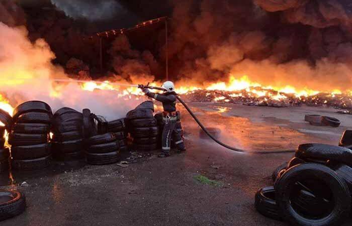 Под Киевом горело 10 тысяч шин